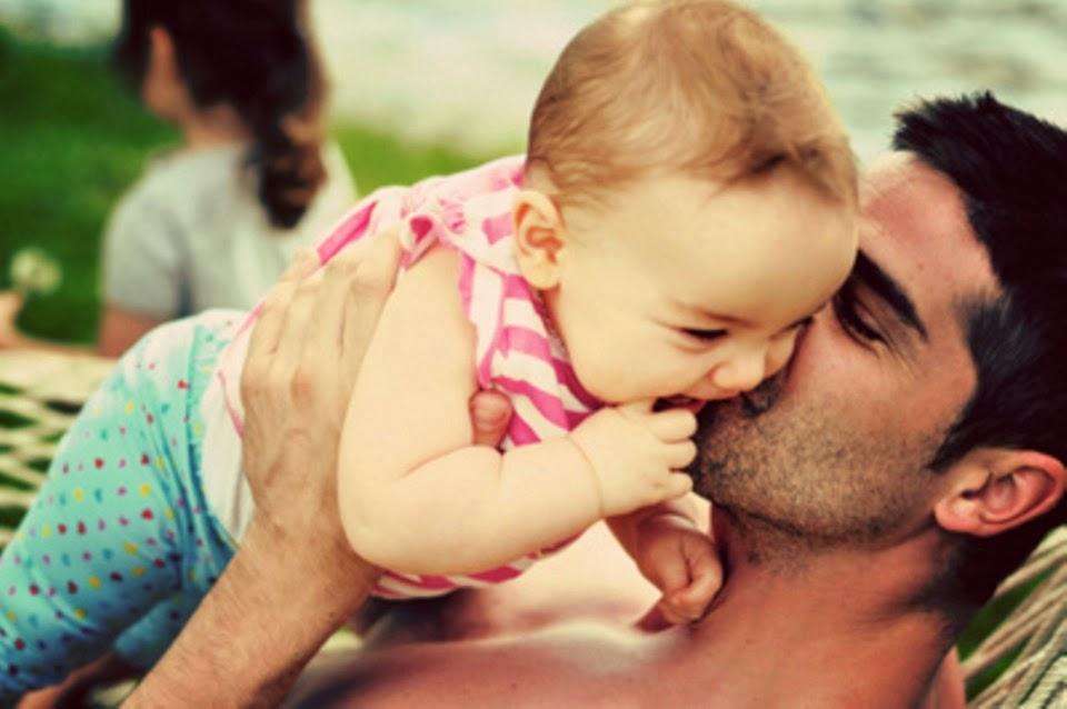Син увидел папу с его девушкой