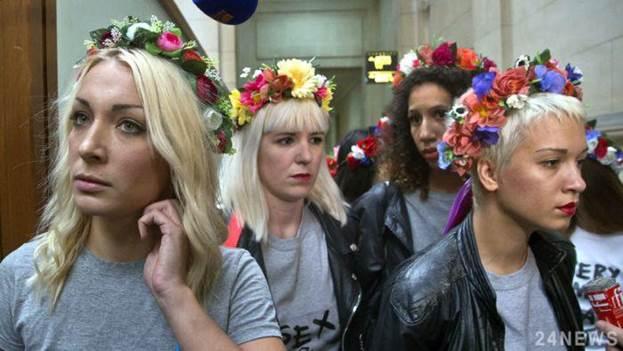 Феминистки из Femen выиграли судебный процесс у католической церкви