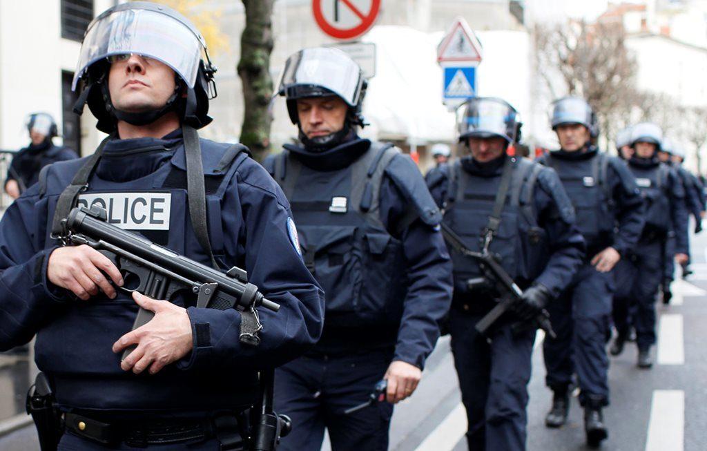 Во Франции силами спецназа арестовано трое предполагаемых террористов