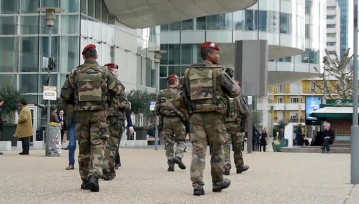 У французских солдат украли оружие