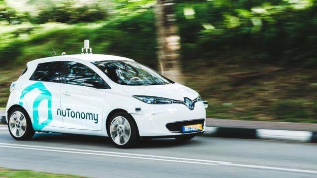 В Париже пройдут испытания беспилотных автомобилей от Renault-Nissan