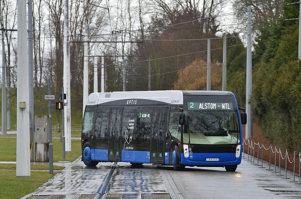 Во Франции создан один из самых маневренных в мире автобусов