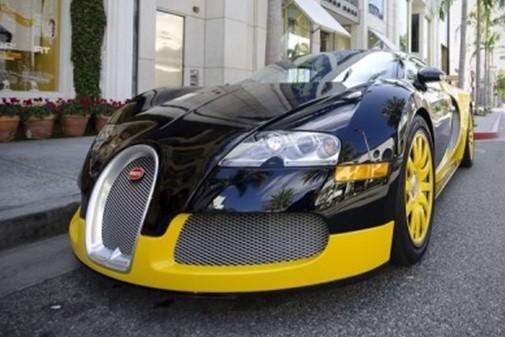Французская полиция получила Bugatti Chiron в подарок