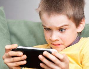 Гаджеты отрицательно влияют на развитие речи у детей