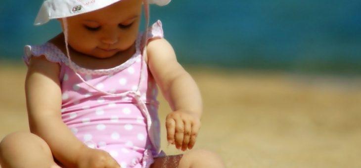 Жаркая погода особенно опасна для маленьких детей
