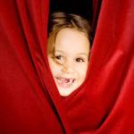 Отдаем ребенка в детскую театральную студию