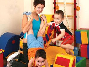 В чем преимущество своих детских площадок?