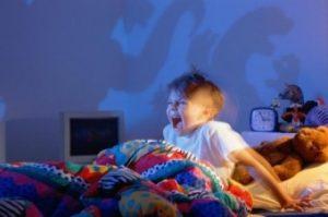 Кошмары и ночные страхи у детей: как бороться?