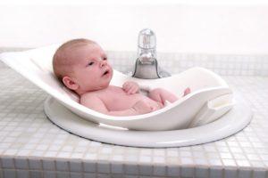 Как купать новорожденного мальчика? Советы и рекомендации