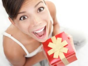 Какой подарок подарить девушке?